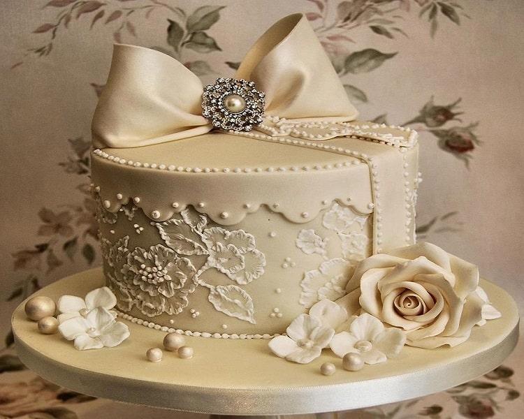 تزیین کیک نامزدی