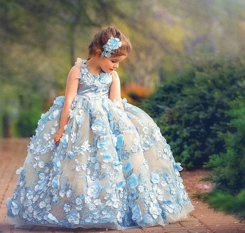 چگونه لباس مجلسی دخترانه انتخاب کنیم؟
