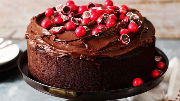 تزیین کیک تولد به روش خانگی