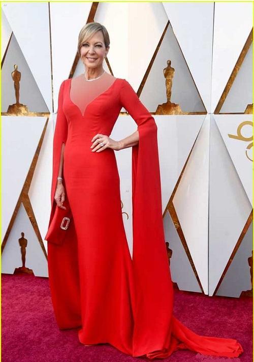 مدل لباس مجلسی آستین دنباله دار