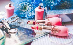 لیست لوازم آرایش عروس و داماد