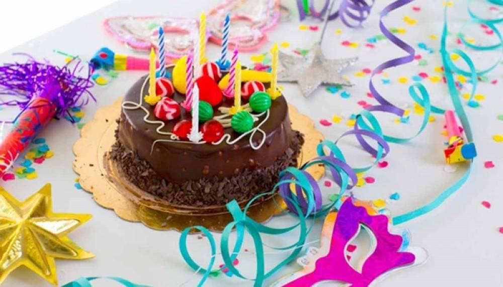 خرید کیک تولد آنلاین