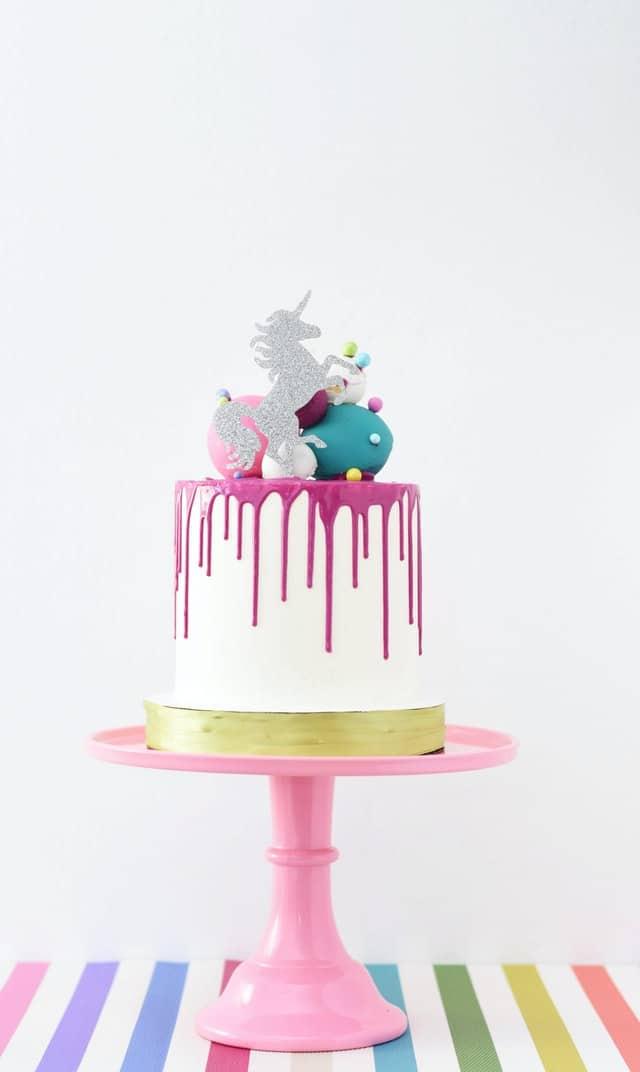 تزیین کیک تولد بزرگسال