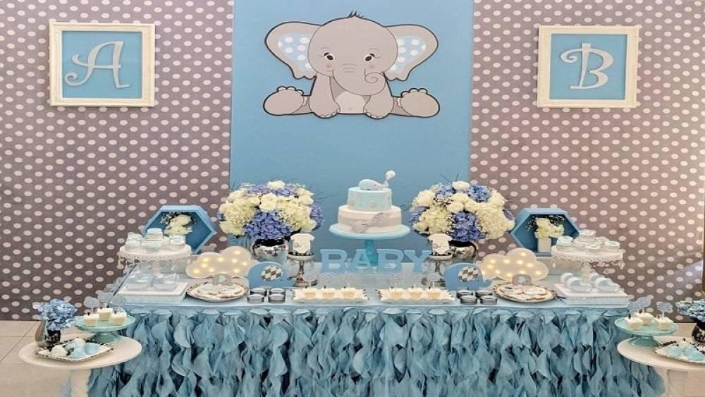 تم تولد فیل