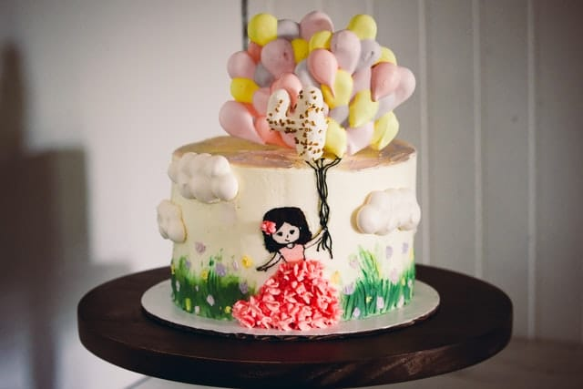 تزیین کیک تولد دخترانه