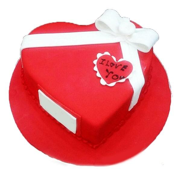 کیک قرمز قلبی ولنتاین