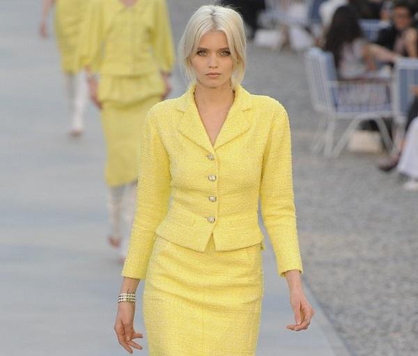 آرایش مناسب لباس زرد