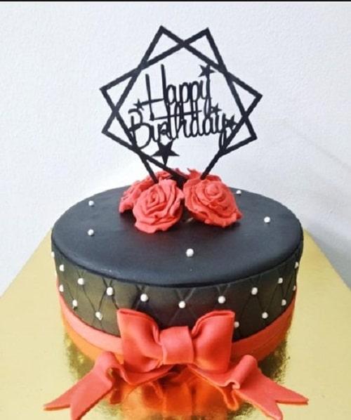 کیک فوندانتی شکلاتی