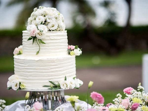 کیک برای مراسم بله برون