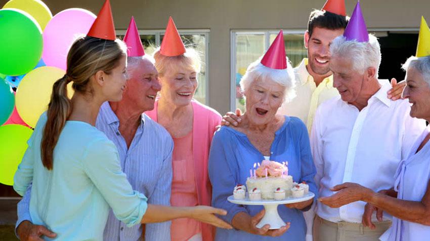 جشن تولد سالمندان